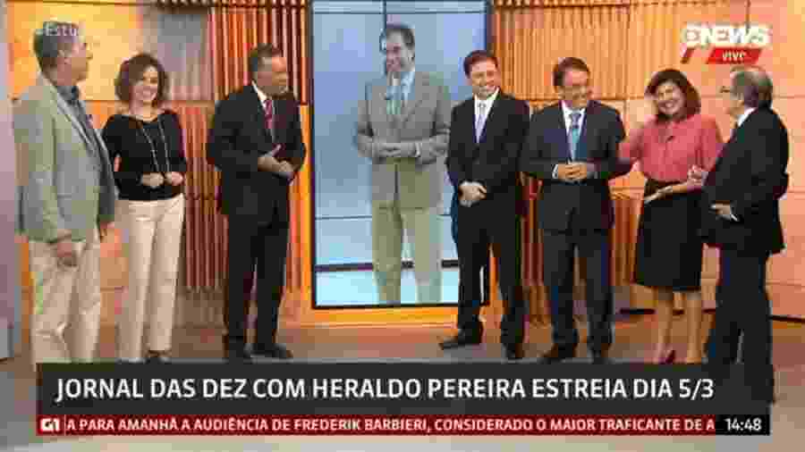 """Heraldo Pereira (3º à esquerda) apresenta diariamente o """"Jornal das 10"""", da GloboNews - Reprodução/Globo News"""