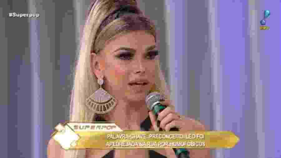Leo Aquilla no Superpop - Reprodução/Rede TV