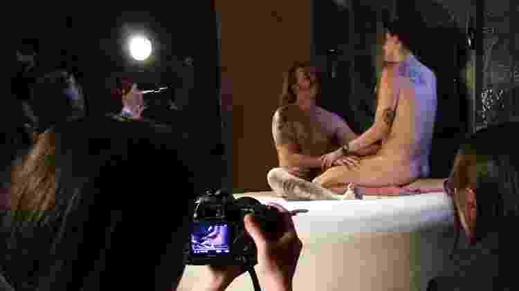 No workhsop Pornô DIY, filmei uma cena de sexo real para aprender a fazer meus próprios vídeos - Helena Bertho/ UOL - Helena Bertho/ UOL