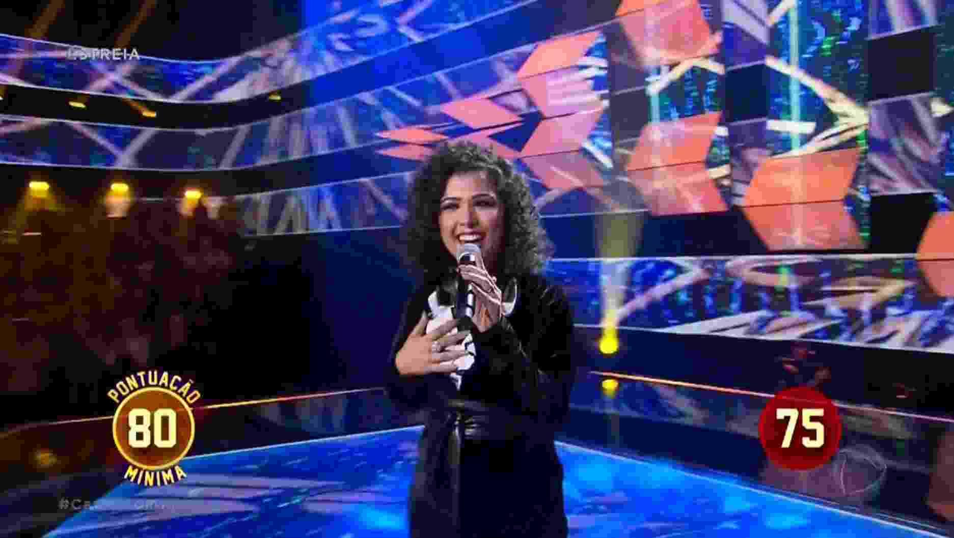 """Naheda Beydoun em """"Canta Comigo"""" - Reprodução/TV Record"""