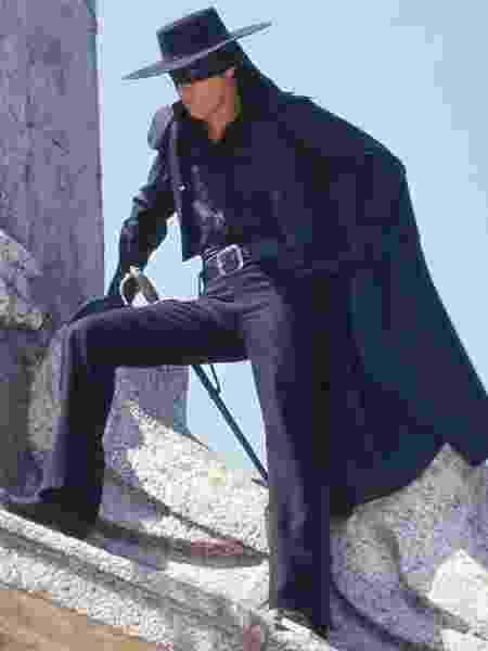 Alain Delon vive zorro em filme do italiano Duccio Tessari - Reprodução