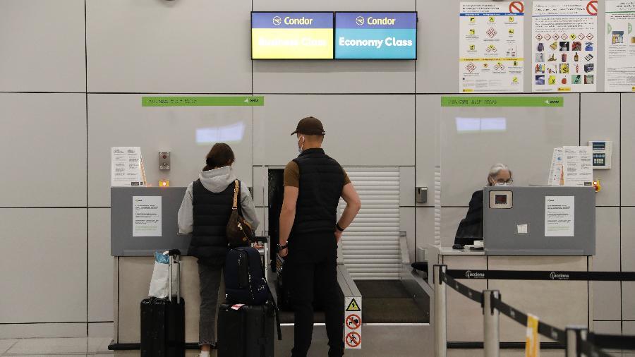 Aplicada desde 2 de fevereiro, prorrogação procura evitar as variantes do coronavírus procedentes dos dois países - Clara Margais/picture alliance via Getty Images
