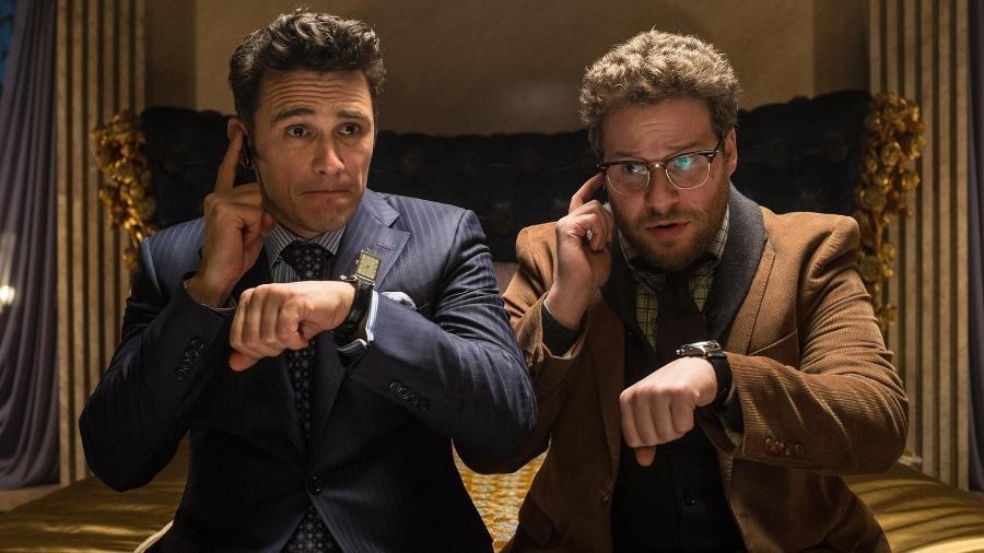"""James Franco e Seth Rogen em cena do filme """"A Entrevista"""" - Reprodução"""
