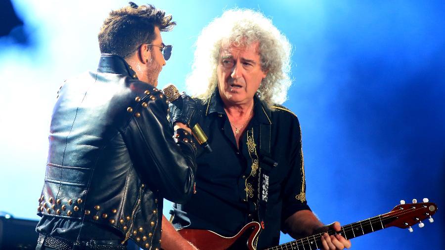 Adam Lambert canta no show do Queen, com o guitarrista Brian May  - Marco Antônio Teixeira/UOL