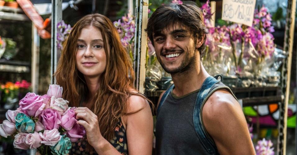 Eliza (Marina Ruy Barbosa) e Jonatas (Felipe Simas) vão se conhecer nas ruas do Rio e terão um romance em