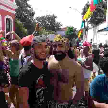 Olivio Barbosa e Fabrício Cruz; personagens de matéria de UOL Carnaval sobre homofobia no Carnaval de Olinda - Daniel Lisboa/UOL - Daniel Lisboa/UOL