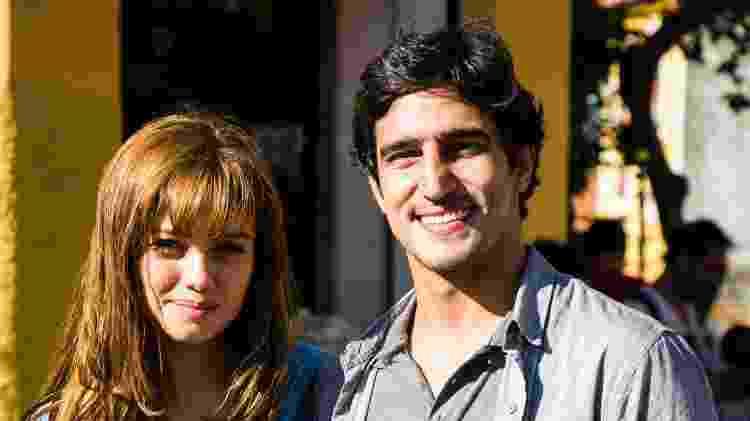 "Alice (Sophie Charlotte) e Renato (Renato Góes) em ""Os Dias Eram Assim"" - Sergio Zalis/TV Globo - Sergio Zalis/TV Globo"