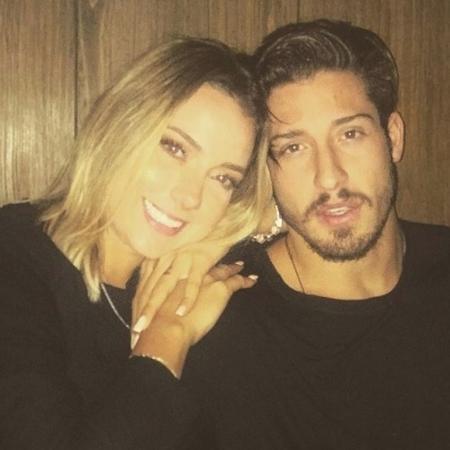 Carol Dantas com o novo namorado, Vinicius Martinez - Reprodução/Instagram