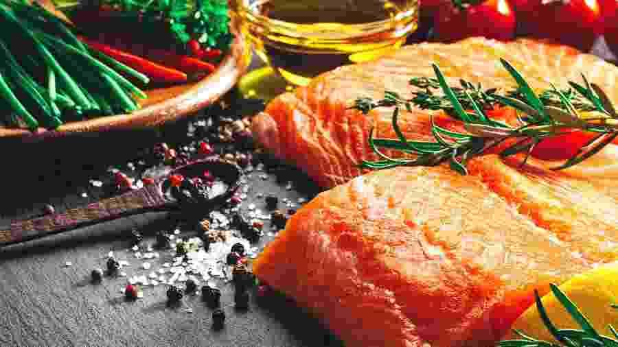 A dieta mediterrânea é rica em peixes, legumes e azeite - Getty Images
