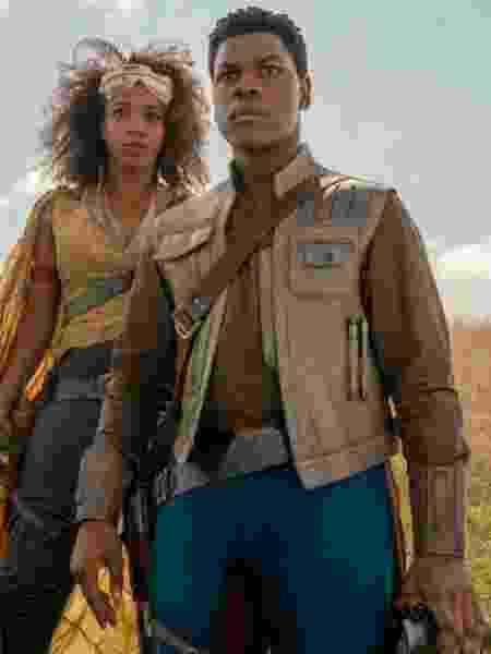 Jannah (Naomi Ackie) e Finn (John Boyega) em cena de Star Wars: A Ascensão Skywalker - Divulgação/EW