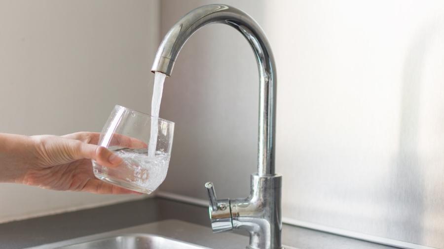 agua torneira - Istock