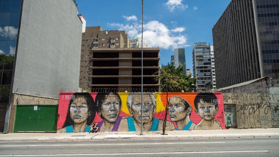 Mural assinado por Tito Ferrara homenageia indígenas afetados pela pandemia - Raphael Felisbino/ Divulgação