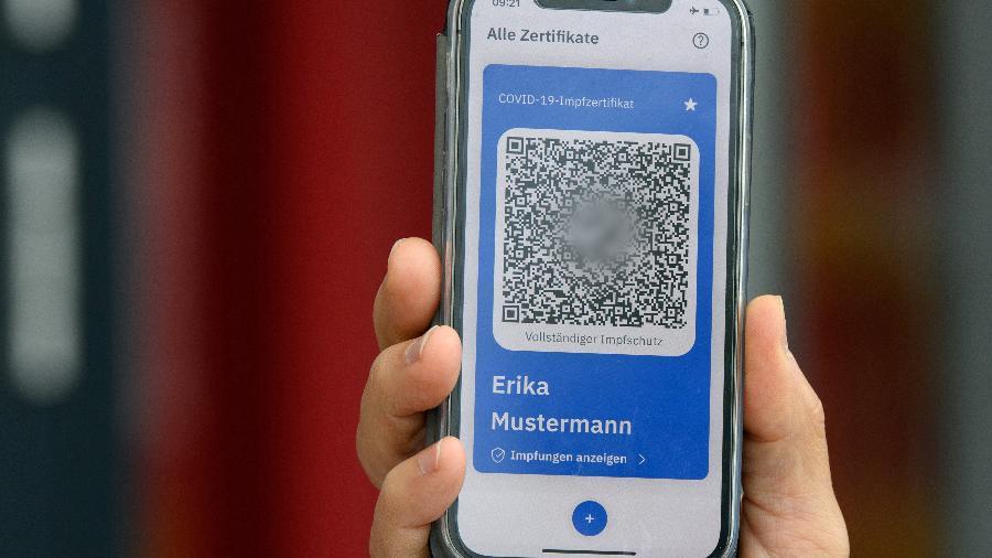 O documento, que será impresso e digital, permitirá as viagens entre os países da UE - Soeren Stache/AFP