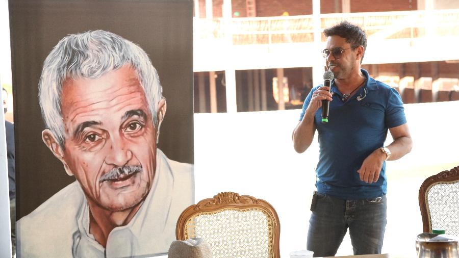 Zezé Di Camargo em inauguração do Hospital do Câncer Francisco Camargo - Marcos Ribas/Brazil News
