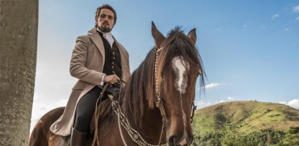 """Para Rafael Cardoso, o seu o Conde Felipe Castellini, está longe de ser um príncipe de contos de fadas na novela """"Além do Tempo"""""""