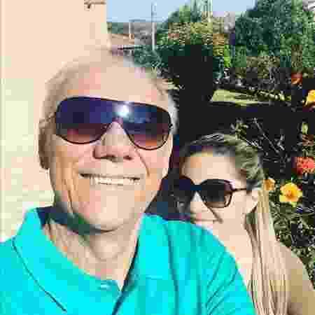 Marcelo Rezende ao lado da namorada, Luciana Lacerda, em julho deste ano - Reprodução/Instagram