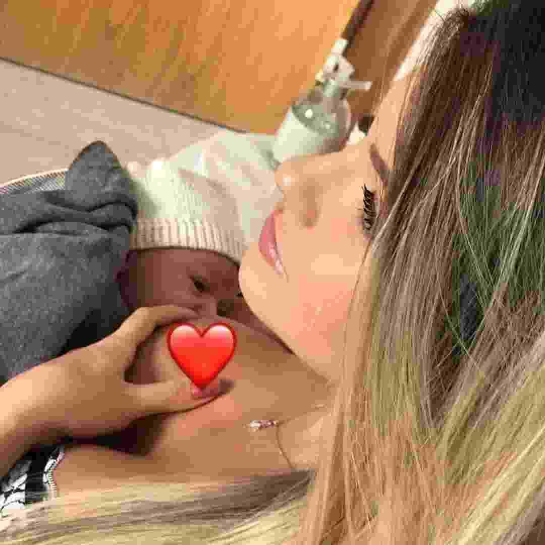 Andressa Suita amamenta o filho Gabriel - Reprodução/Instagram