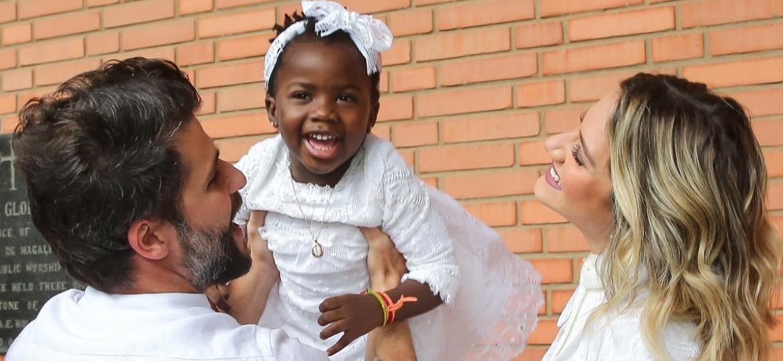 """Exemplo do que especialista chama de """"novo tipo de vergonha"""": Titi, de 4 anos, filha de atores globais, foi alvo de comentários racistas no Instagram - Manu Scarpa/BrazilNews"""