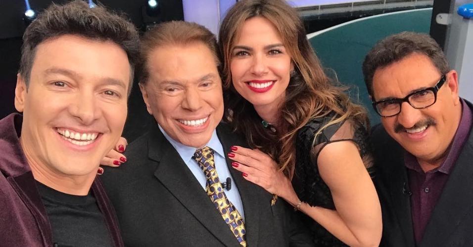 """Silvio Santos grava """"Roda a Roda"""" com Rodrigo Faro, Luciana Gimenez e Ratinho"""