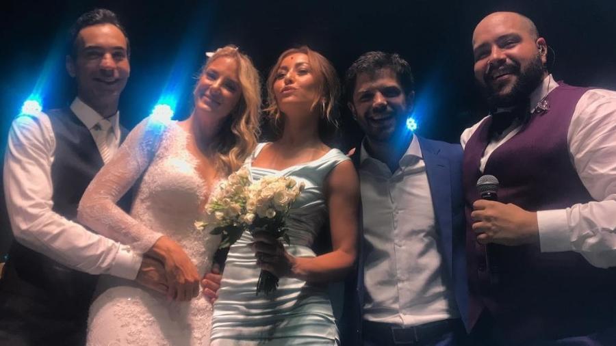 Sabrina Sato pegou o buquê no casamento de Tici e Tralli - Reprodução/ Instagram