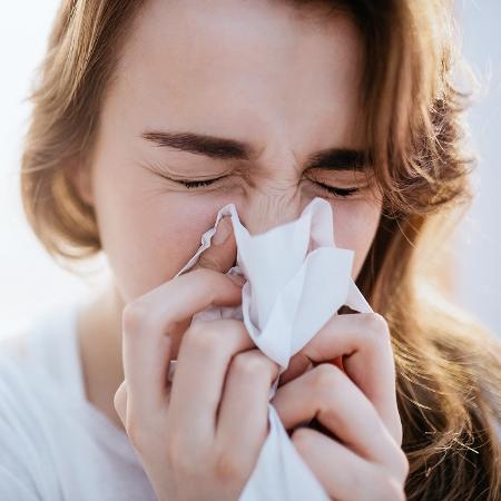 A proliferação do novo vírus e da doença causada por ele preocupam, mas outros problemas, ainda persistentes, não podem ser relegados - iStock