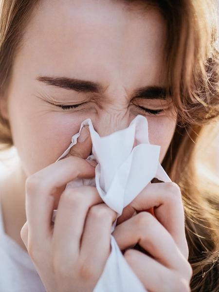 Adolescentes com rinite alérgica têm taxas mais altas de ansiedade e depressão - iStock