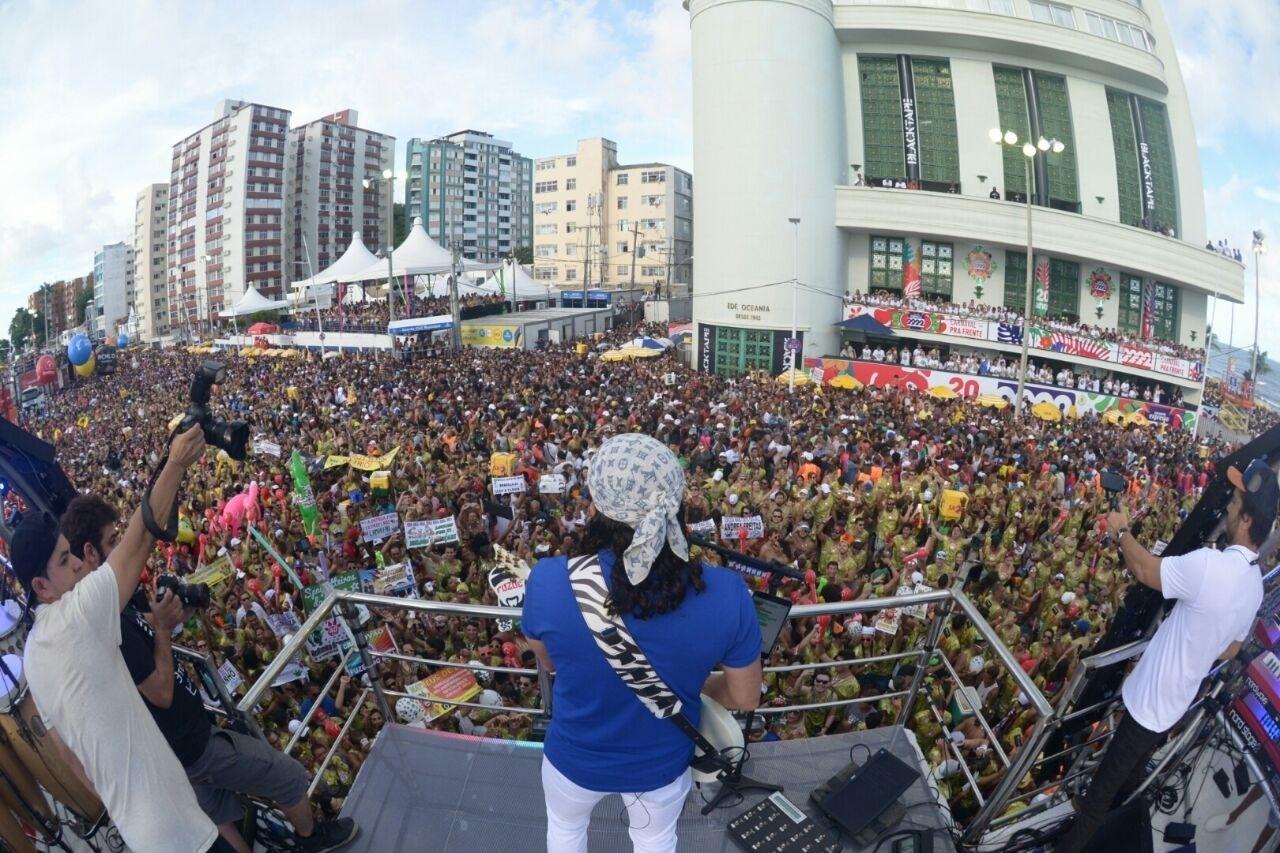Circuito Barra Ondina 2018 : Fotos famosos curtem o quarto dia de carnaval no circuito