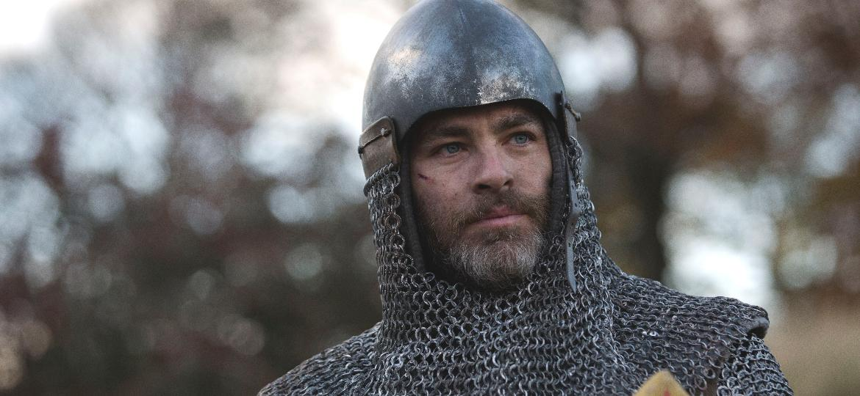 """Chris Pine como Robert Bruce em """"Legítimo Rei"""", da Netflix - David Eustace/Divulgação/Netflix"""