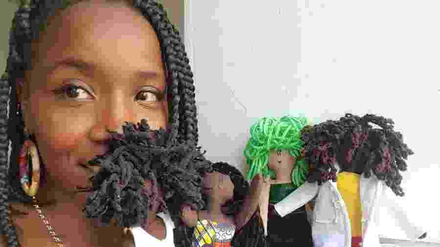 Jaciana com suas bonecas - Divulgação