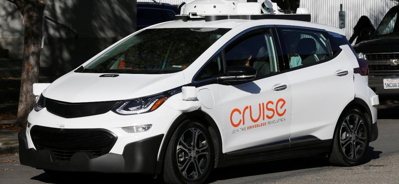 """Esse Bolt """"do Jaspion"""", cheio de adereços tecnológicos, é carro de teste do projeto Cruise, iniciativa de autônomos da GM - Elijah Nouvelage/Reuters"""