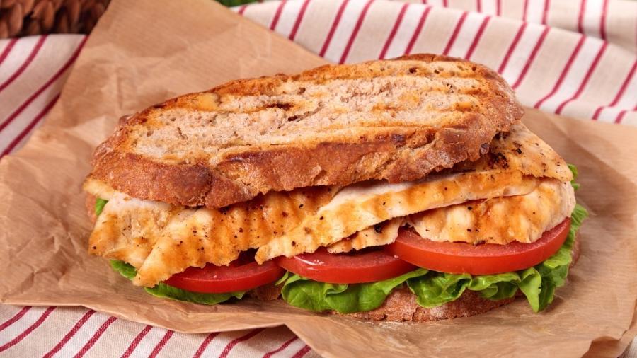 Não adianta preparar um misto quente, mostramos como montar um sanduíche saudável no jantar - iStock