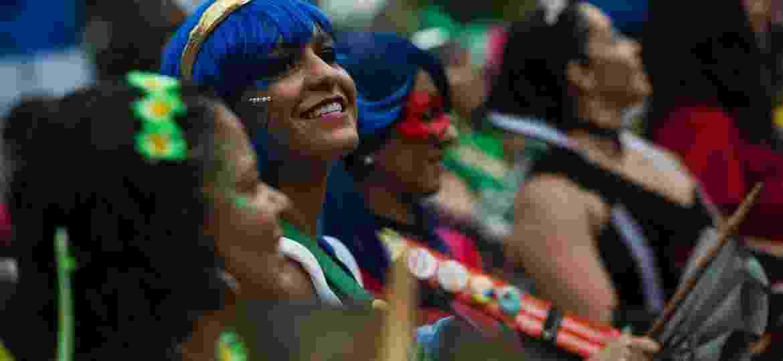 Ritmistas do bloco Desliga da Justiça, no Carnaval do Rio de Janeiro - Bruna Prado/UOL