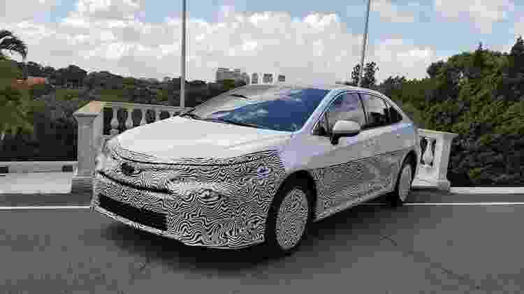 Unidade do novo Corolla deixa claras as semelhanças com modelo europeu, apesar da camuflagem - Murilo Goes/UOL