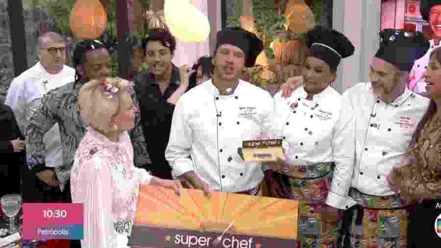 Nando Rodrigues celebra vitória no Super Chef Celebridades - Reprodução/Globo