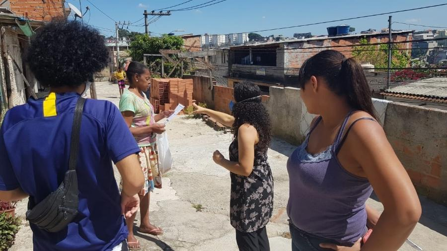 Ação de conscientização contra o novo coronavírus com moradores no bairro João XXIII, zona oeste de São Paulo - Divulgação