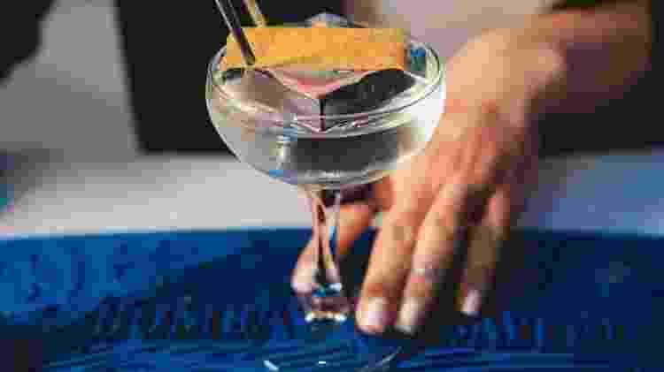 O drinque Èlle, elaborado por Jessica Sanchez - Divulgação - Divulgação