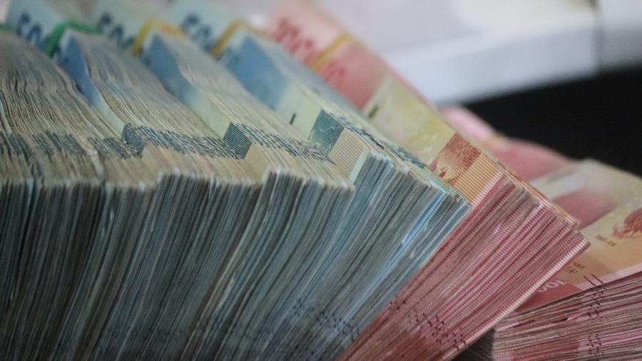 Dinheiro em Setembro - Mufid Majnu/Unsplash
