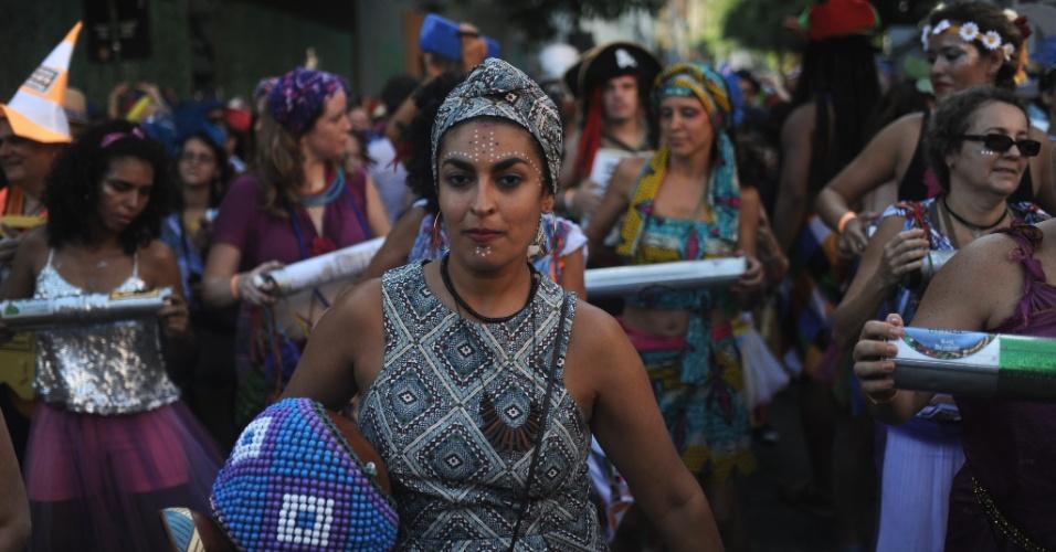 Foliões curtem o Bloco Céu na Terra na manhã de sábado pelas ruas de Santa Teresa, zona sul do Rio de Janeiro