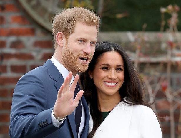 Príncipe Harry e Meghan Markle anunciam seu noivado nos jardins do palácio de Kensington