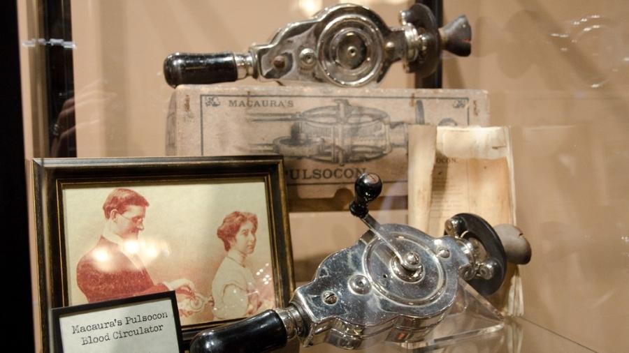 Modelo do século 19, no Good Vibrations Antique Vibrator Museum: ajudava a relaxar músculos - Divulgação
