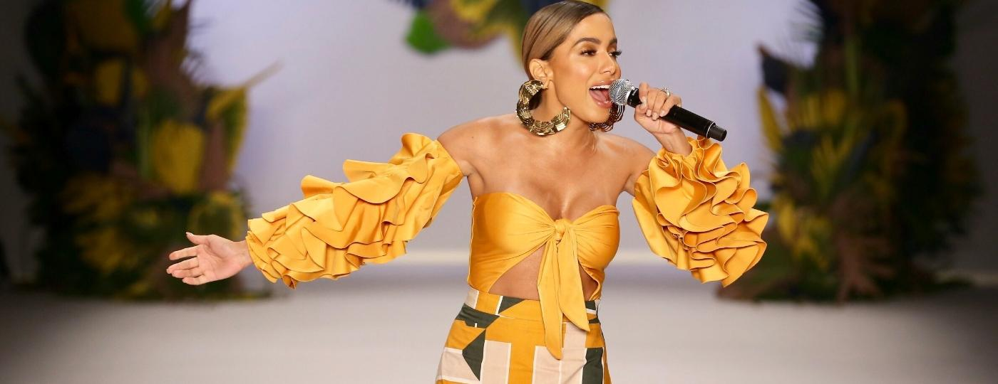 Anitta cantou no desfile da Água de Coco na abertura da SPFW - Manuela Scarpa/Brazil News