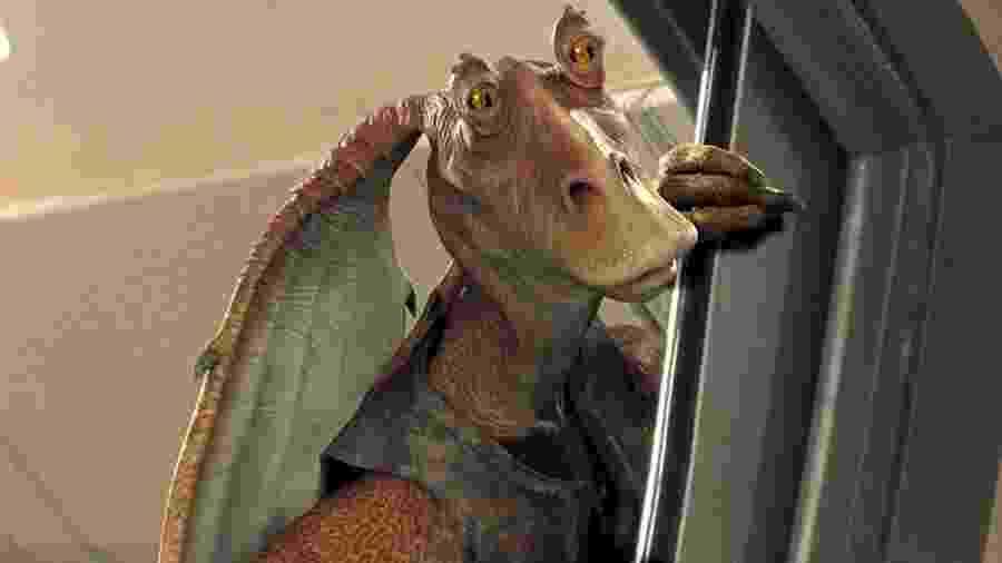 Jar Jar Binks em cena de Star Wars: A Ameaça Fantasma (1999) - Divulgação