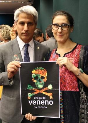 Paola Carosella vai a Congresso na luta contra agrotóxicos