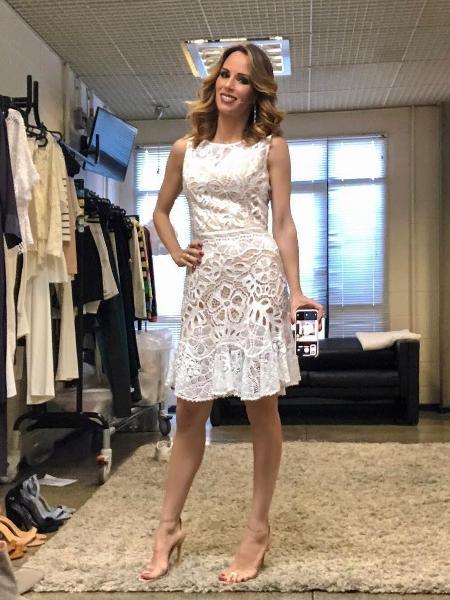 """Ana Furtado postou look de dentro do camarim antes de apresentar o """"Encontro com Fátima Bernardes"""" nesta sexta (1º) - Reprodução/Instagram"""