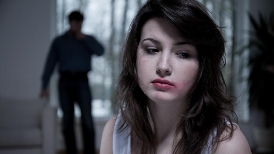 É difícil identificar o relacionamento abusivo se você está dentro de um - iStock