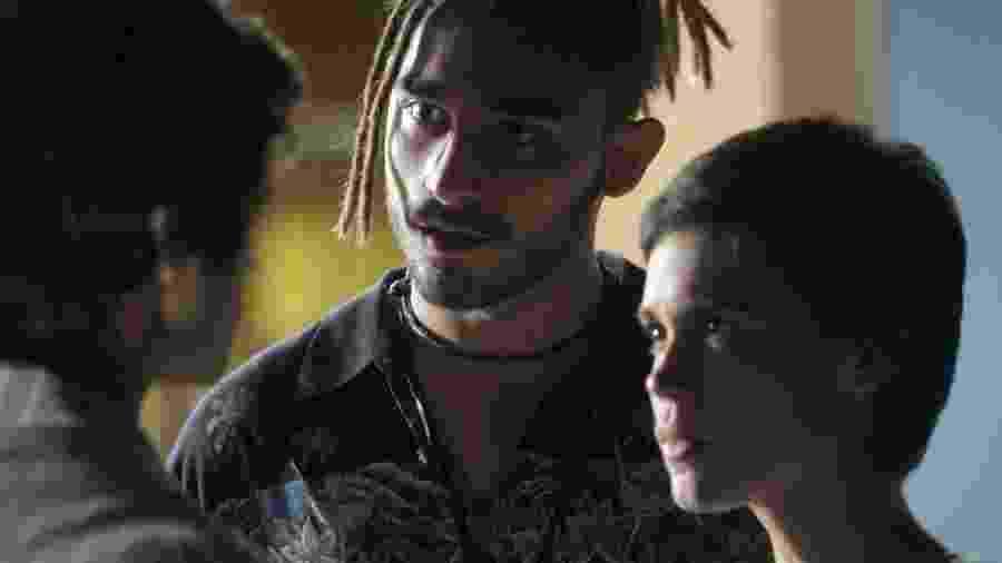 Leila (Carla Salle), Jamaica (Gabriel Reif) e Fabinho (Daniel Blanco) - Globo/Divulgação