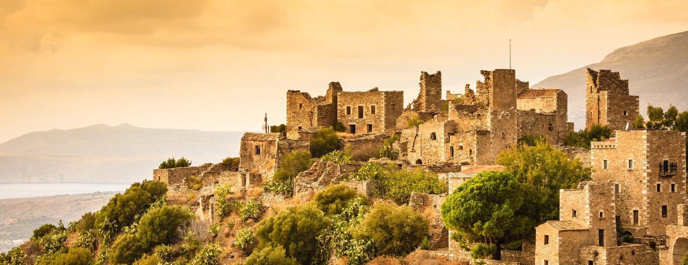 Depois que Esparta foi saqueada, o tsakoniano sobreviveu apenas em alguns vilarejos isolados nas montanhas, como este, na península de Vathia Mani - Getty Images