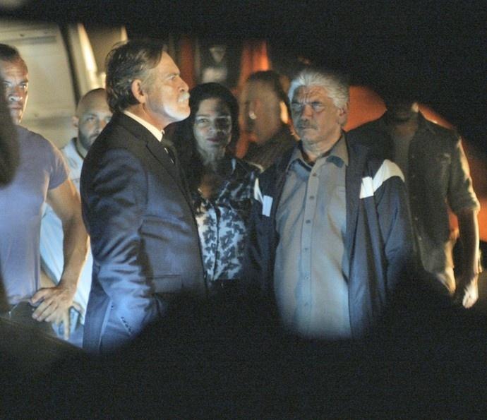 Dante flagra Gibson com Mara e Tio e confirma que o avô é o pai da facção