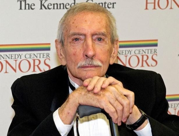 Edward Albee, considerado um dos maiores dramaturgos dos EUA, posa em 2012 - Getty Images