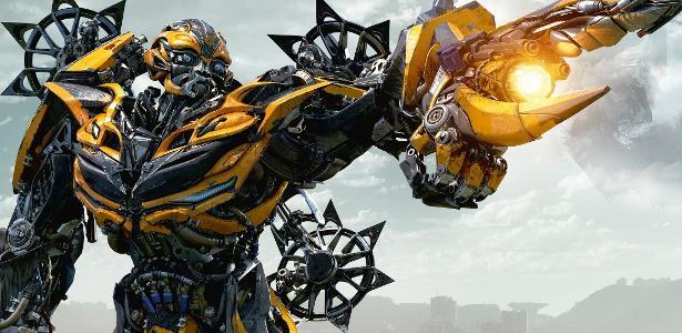 """Bumblebee em cena de """"Transformers 5: O Último Cavaleiro"""""""